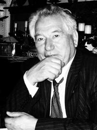 Photo of Chinghiz Aitmatov, from Wikipedia